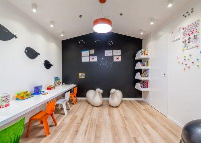 עיצוב מודרני מינימאליסטי במרפאת שיניים לילדים